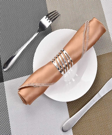 12pcs-Back-Pattern-Wedding-Napkin-Rings-Table-Decoration-Hollow-Out-Family-Gatherings-Everyday-Use-Napkin-Buckle-Holder-40004240