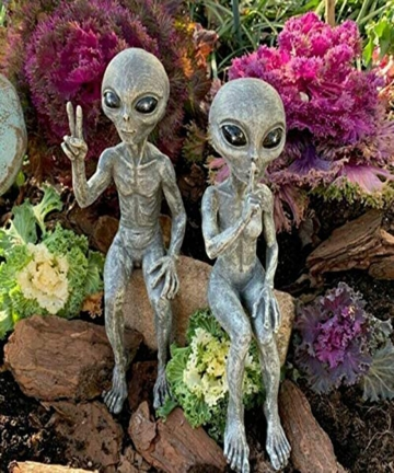 Outer-Space-Alien-Statue-Martians-Garden-Figurine-Set-Garden-Decoration-Outdoor-Jardineria-Decoracion-Support-Drop-Shipped-10050