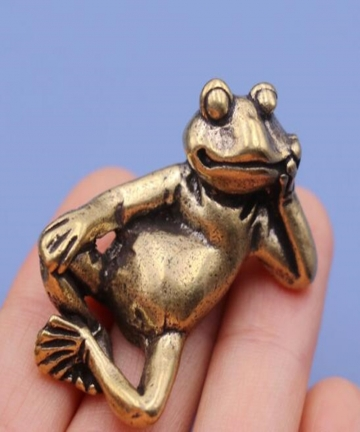 Mini-Retro-LUCKY-Brass-Animal-Frog-Statue-Ornament-Cute-Home-Office-Desk-Exquisite-Decorative-Sculpture-Pocket-Hand-Toy-Gift-400